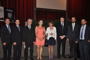 Membros da OAB Paraná e Maringá, juntamente com a Presidente Fábia Sacco (OSM)